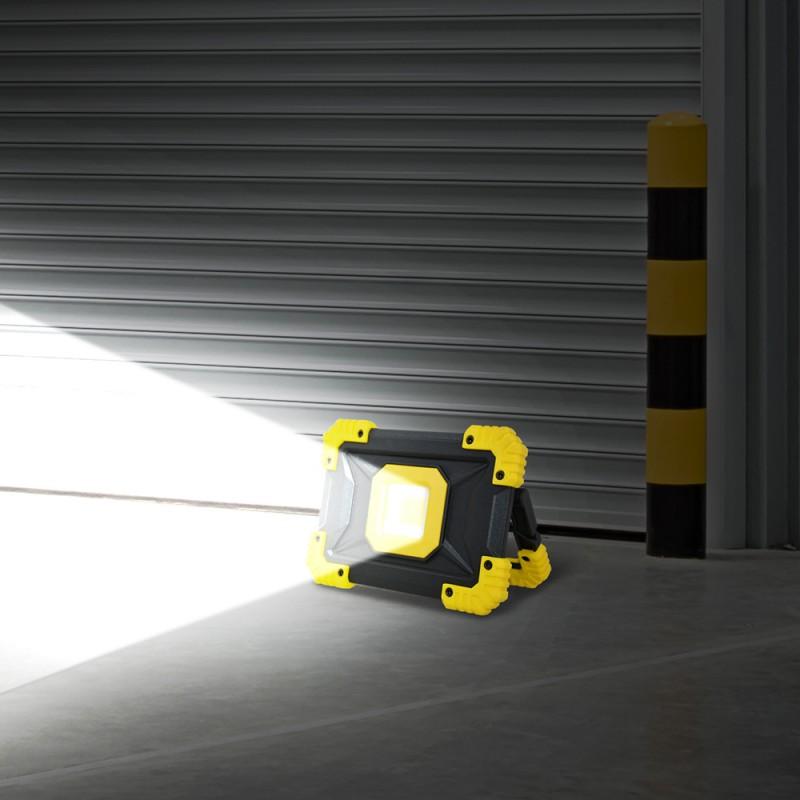 Projecteur de chantier sur batterie (2)